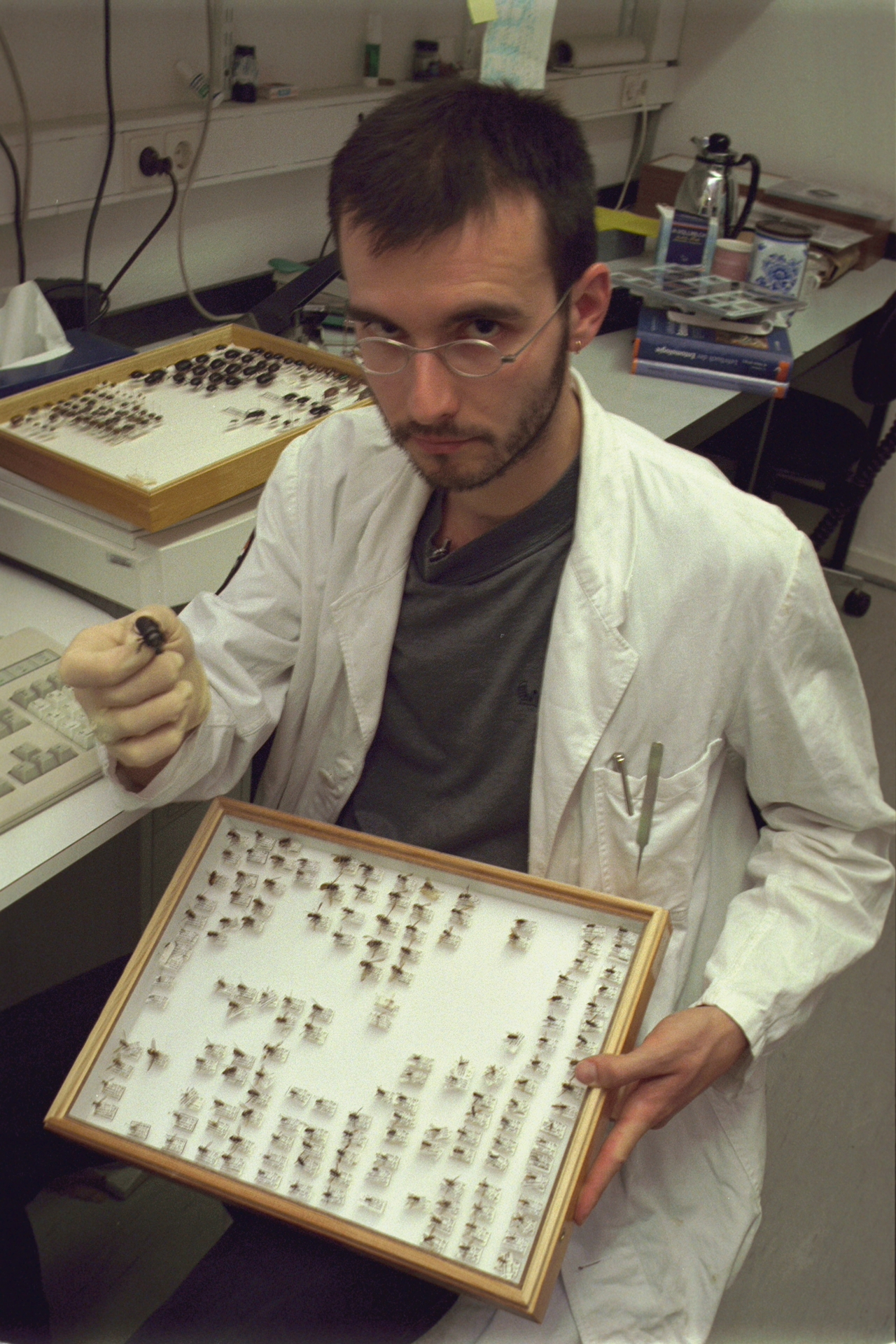 a_mark_benecke_in_lab_zoology