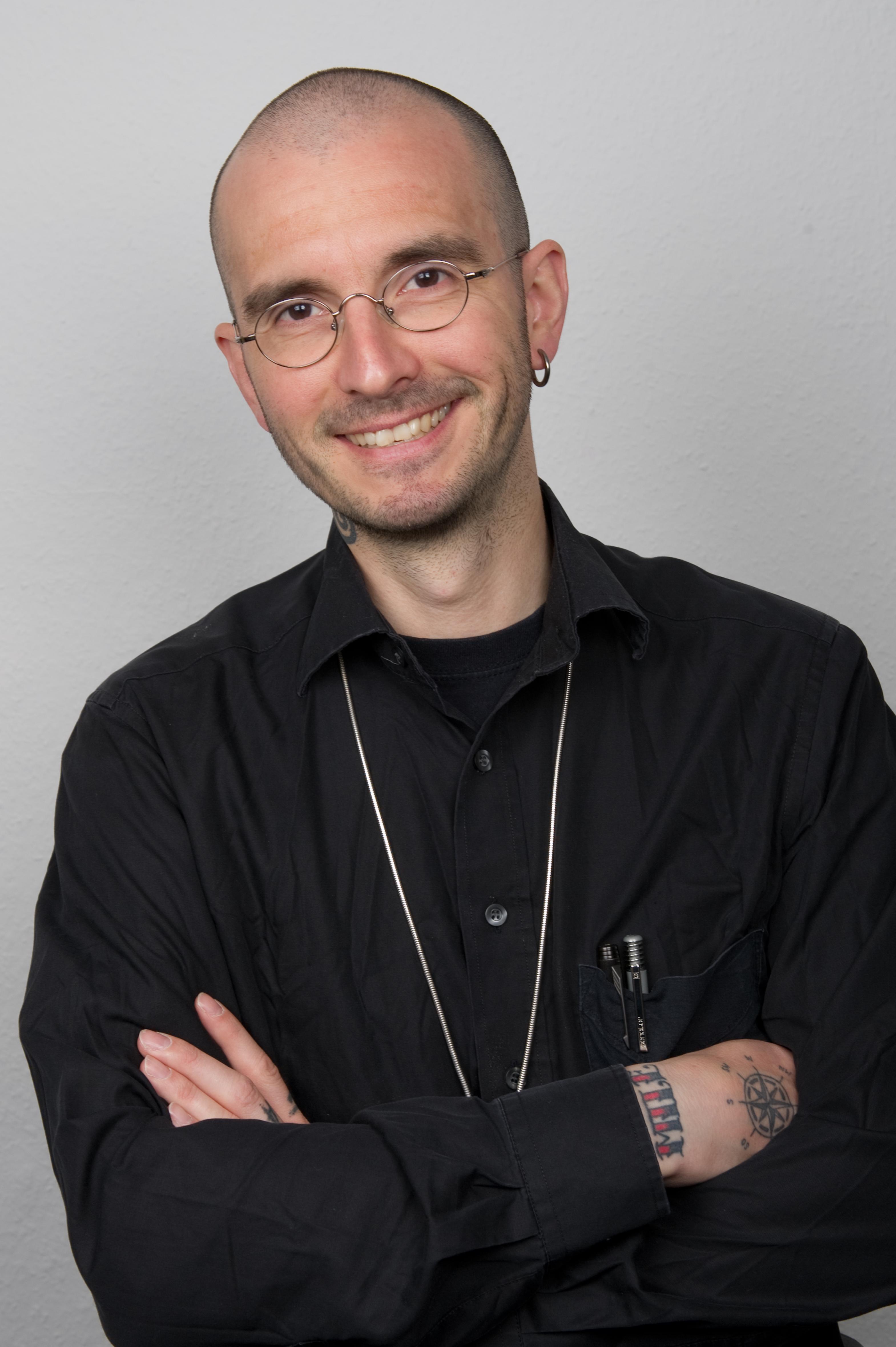 Dr Benecke