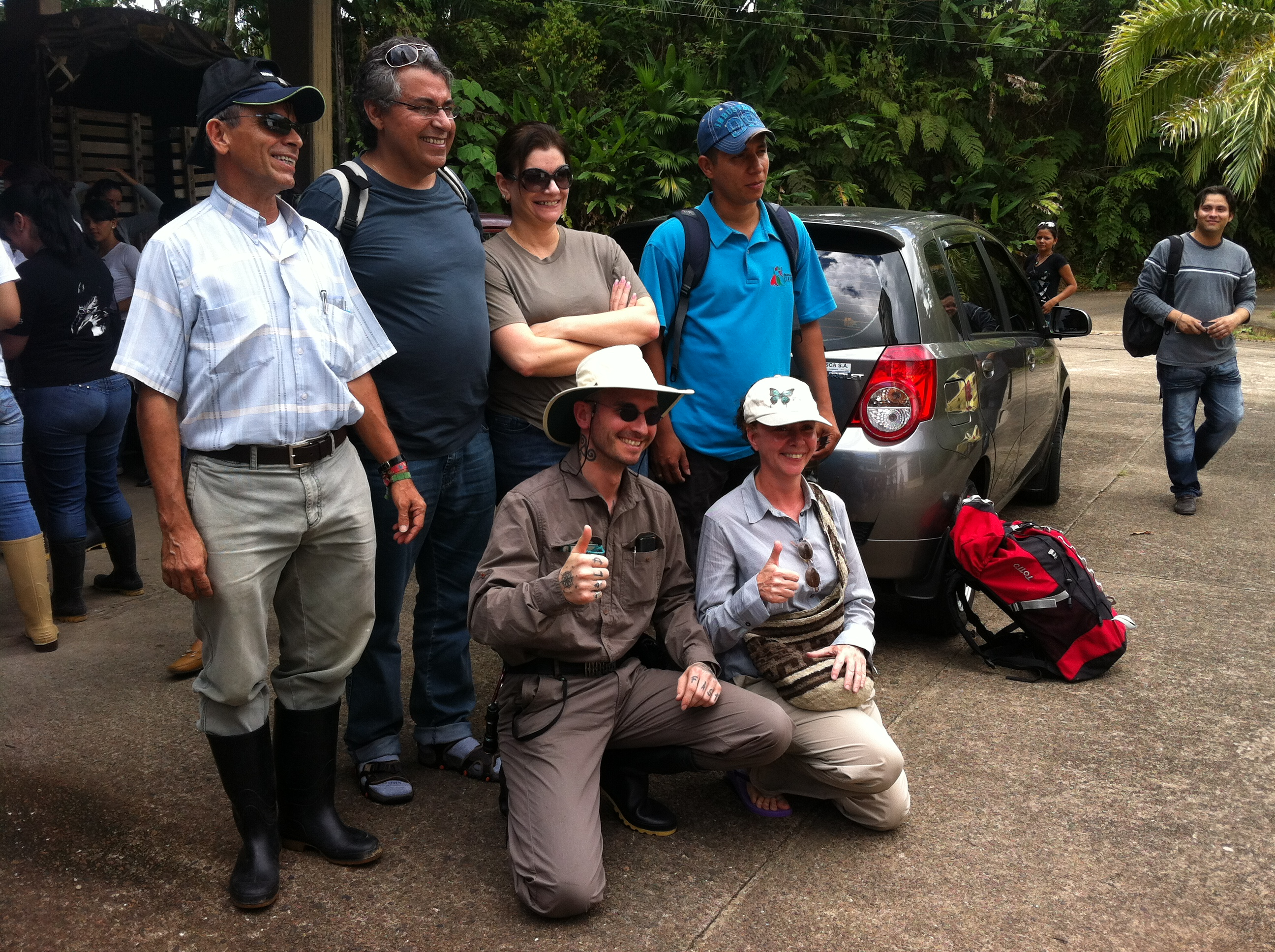 qu_mark_benecke_with_team_in_colombia.JPG